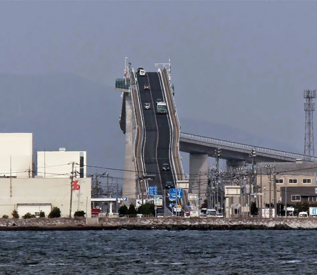 Не, Това Не Е Влакче...Това Е Мост В Япония 9