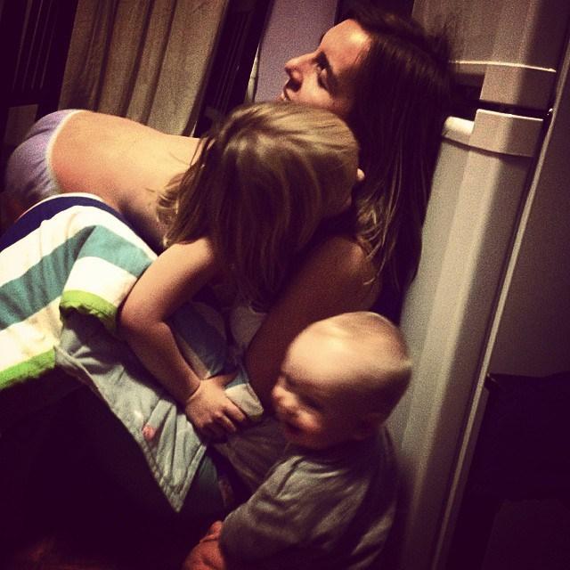 Снимки, На Които Майките Могат Да Направят Всичко И Дори Малко Повече 7
