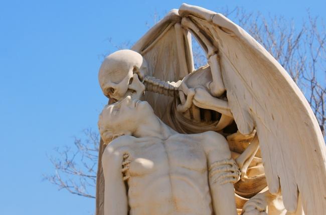 15 Скулптури, Които Плашат И Удивляват В Същото Време 11