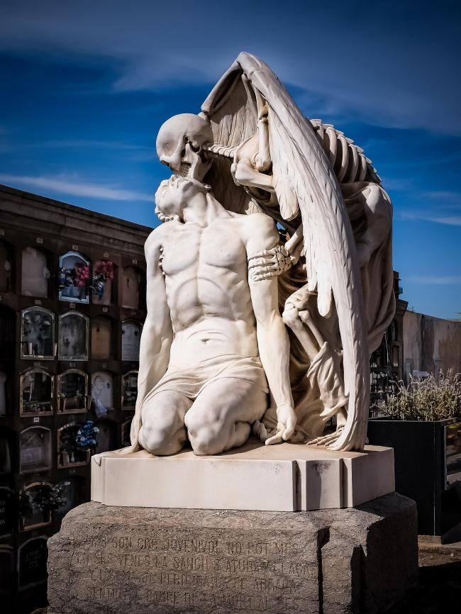 15 Скулптури, Които Плашат И Удивляват В Същото Време 10