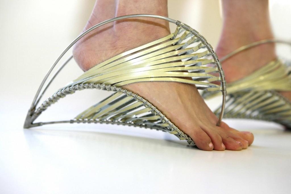 15 От Най-Странните И Смешни Обувки Някога, Които Ще Ви Шокират 39