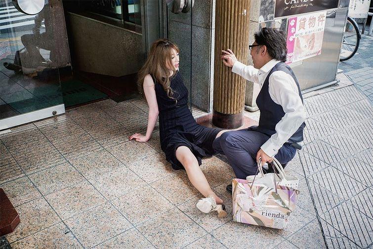 Фотограф Снима Японските Пияници, Които Спят По Улиците На Токио 14