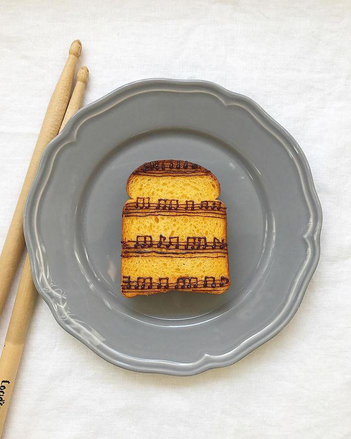 Японски Кулинарен Дизайнер Превръща Сутрешния Си Тост В Произведение На Изкуството 55
