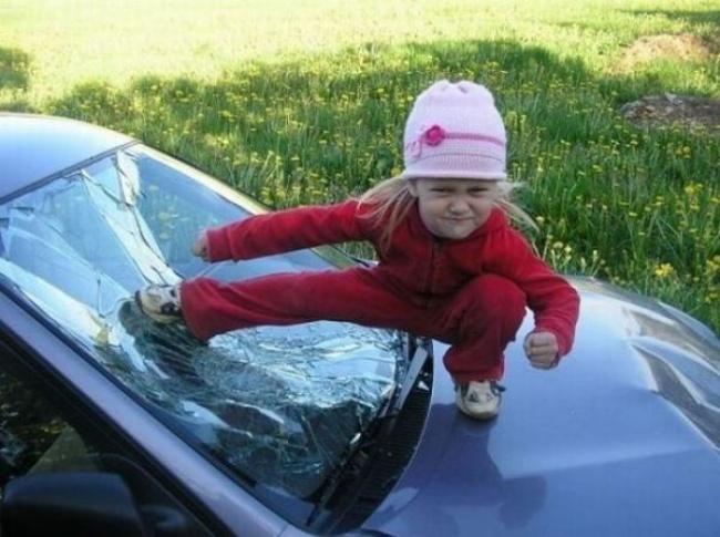 Тези снимки доказват, че децата живеят в един абсолютно измислен свят с техни правила и условия! Или се съгласяваш или.. 57