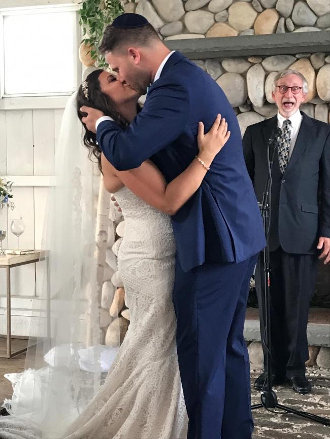 Най-добрите фотомомби, които направиха тези сватби още по-запомнящи се! 40