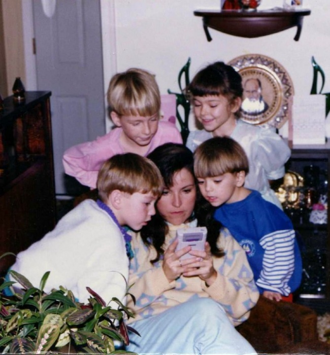 25 Носталгични неща, които само децата от 90-те ще разберат.. 36