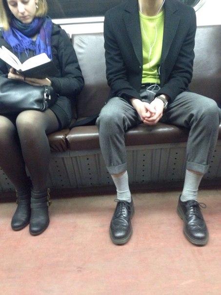 Такива снимки на хора може да бъдат забелязани само в Руското метро.. Потресаващи кадри.. 54