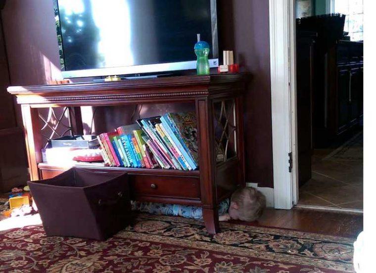 Тези деца обичат да играят на криеница.. Дали обаче могат да го правят? Вижте.. 56