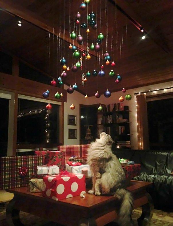 Коледа идва.. Гениални идеи как да опазиш коледната елха от децата и домашните любимци.. 39