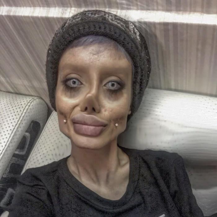 Тя мечтаеше да прилича на Анджелина Джоли и се подложи на 50 пластични операции, но ето какво стана! 60