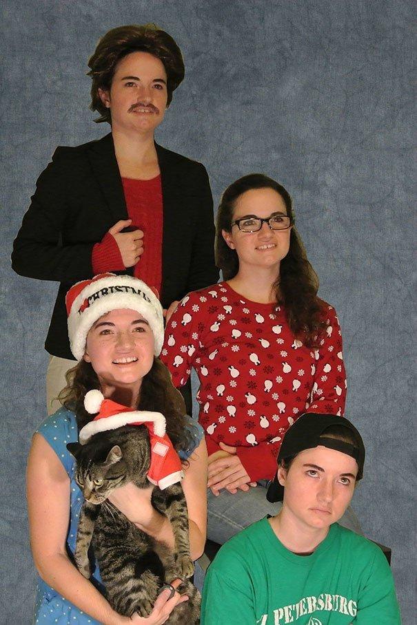 Този Новогодишен хумор разплака социалните мрежи.. Семейни снимки та пръскат.. 56