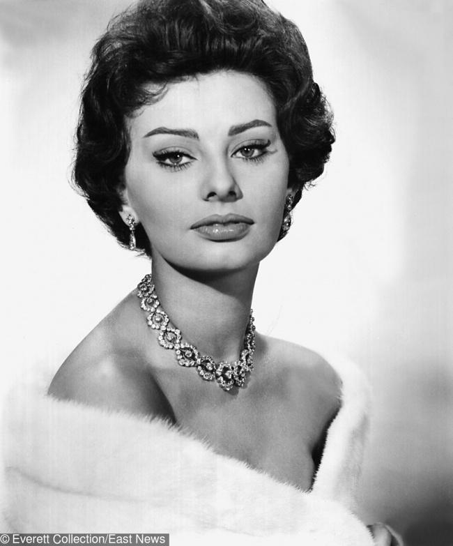Мис България ли..? Тези кралици на красотата от 20 век разтопиха сърцата на всички женени мъже! 39