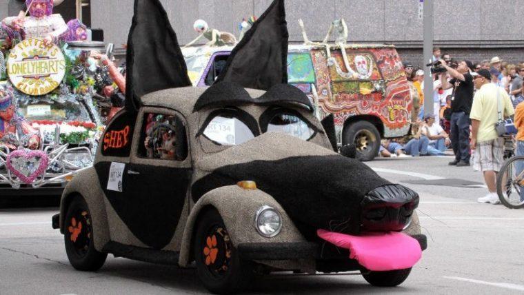 Внимание, това НЕ са животни, а автомобили на луди фенове, шокиращи кадри 9