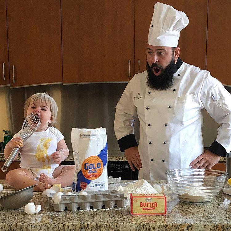 Този баща направи детето си най-щастливо на земята.. виж снимките и историята им 8