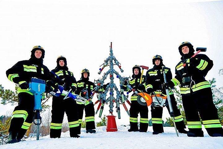 Тези хора счупиха тъпометъра с Коледните си дърва.. Шокиращи алтернативи! 37