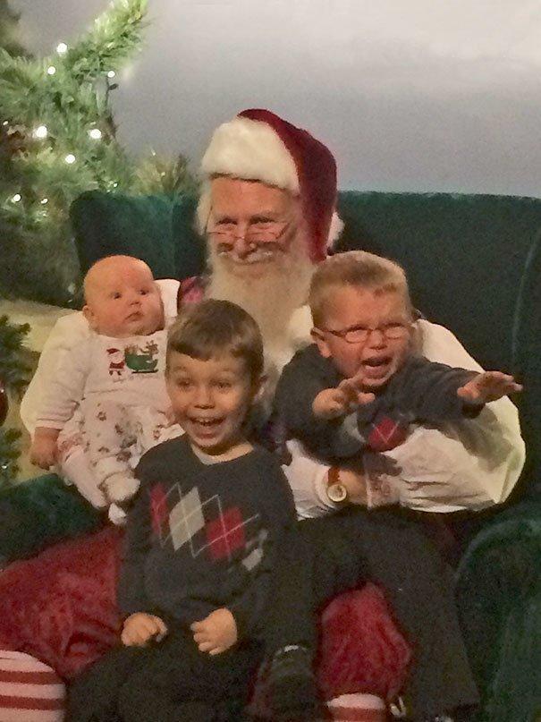 Този Новогодишен хумор разплака социалните мрежи.. Семейни снимки та пръскат.. 55