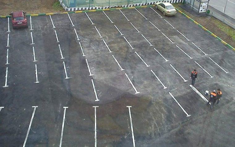 Със сигурност няма да можете да паркирате тук, дори и да искате! Най-безумните паркинги на света! 54