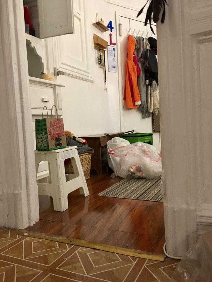 На тези снимки се крие котка.. За колко време ще успеете да я намерите? 8