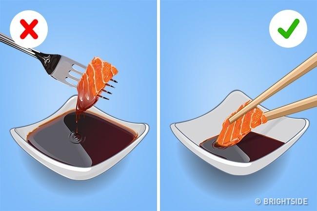 Задължителни маниери за хранене в ресторант, които ако ги спазиш, ще покаже КЛАСА от световно ниво! 11