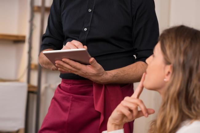 9 Ресторантски трика, които ще те накарат да платиш по-висока сметка! Пази се от 60
