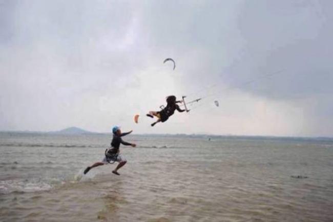 Това се случва, когато вятърът има прекалено силно чувство за хумор 11