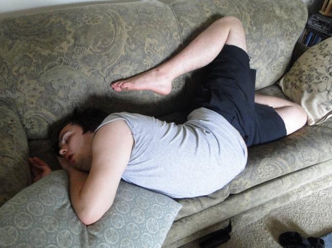 Снимките, които показват моментите, в които сънят се е оказал по-силен от всичко на земята 11