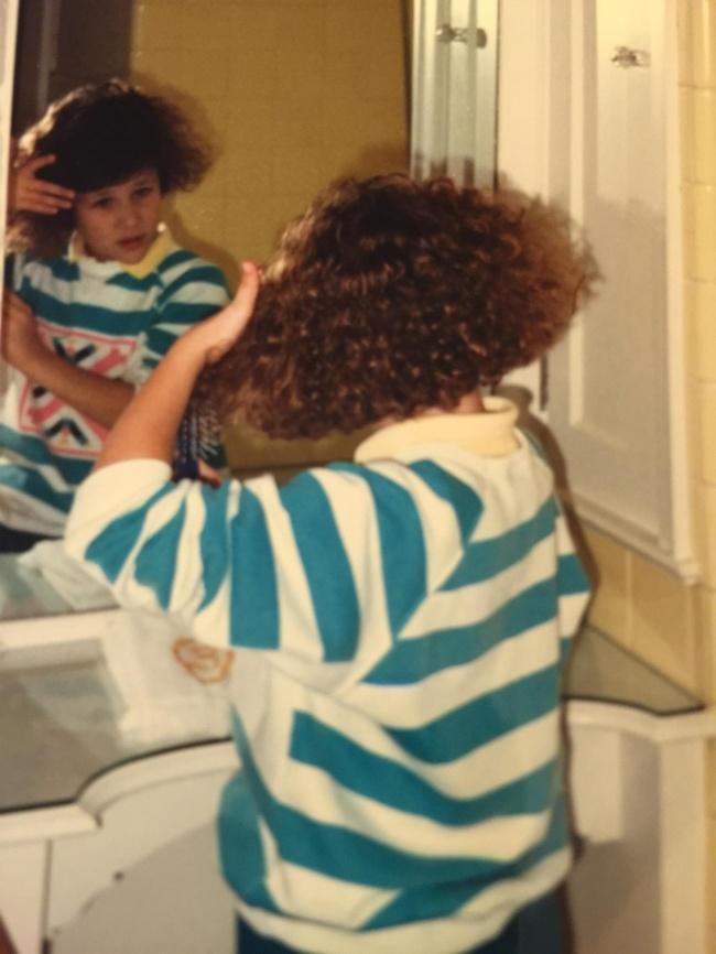 Тези 23 снимки доказват, че е по-добре никога да не се връщаме към модата на 80-те.. 57