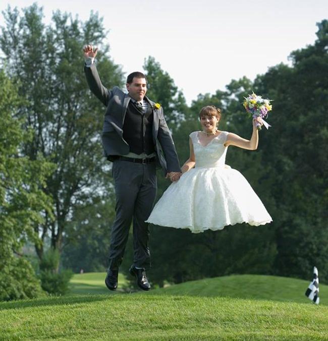 Когато сватбените фотографи уловят нещо, което не е трябвало.... 57