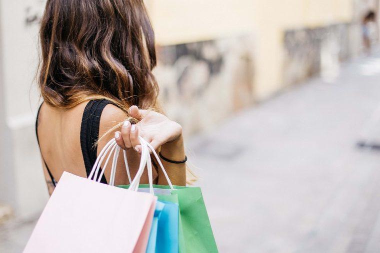 Зодии, които да се готвят да пазаруват най-много по празниците 8