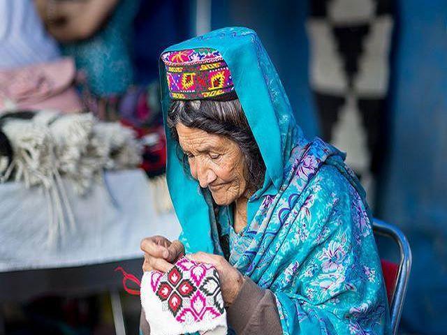 Живеят по 120 години, раждат на 65, и не се разболяват: Всички тайни на мистериозния народ 56