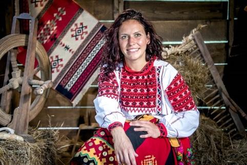 """Емигрантката от Лондон Росица Йончева: След """"Фермата"""" мъжът ми ме носи на ръце 35"""