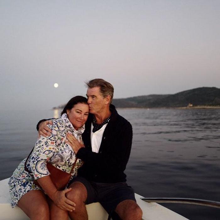 Джеймс Бонд все още е лудо влюбен жена си след 25 години брак (СНИМКИ) 67