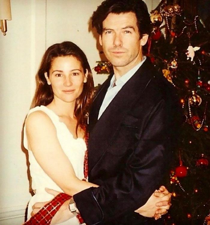 Джеймс Бонд все още е лудо влюбен жена си след 25 години брак (СНИМКИ) 56