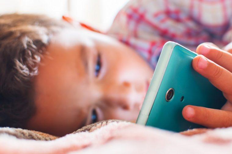 Солидни причини да не давате телефон в ръцете на деца под 12 години 38