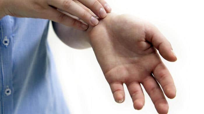Как да тълкуваме, когато ни сърби - дясната или лявата ръка? Обърнете късмета в своя полза 34
