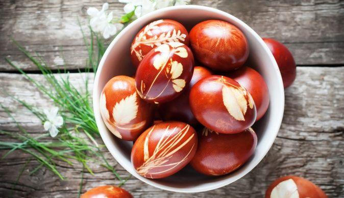 Kак да си направим идеалното Великденско червено яйце без химия и оцветители 9