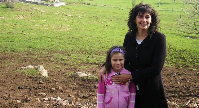 Как Бети и Ники с четири деца развъждат над 700 крави из Родопите 14