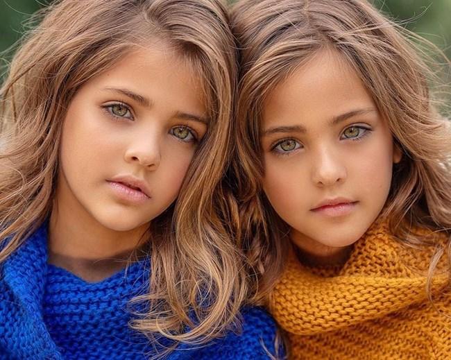 Близначките, смятани за наричани едни от най-красивите момичета на света (СНИМКИ) 54