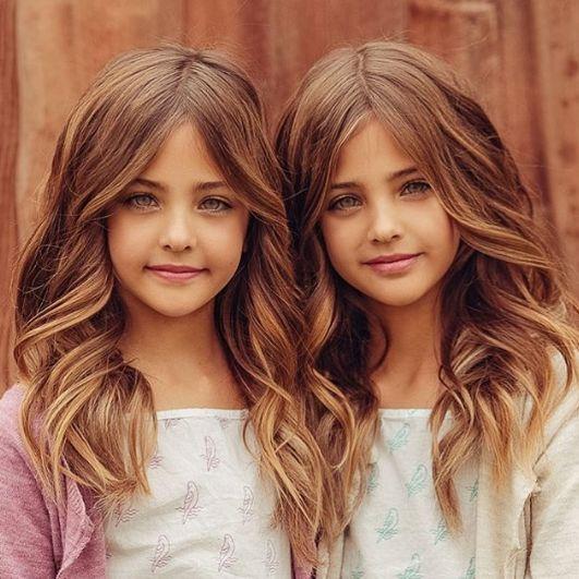 Близначките, смятани за наричани едни от най-красивите момичета на света (СНИМКИ) 57