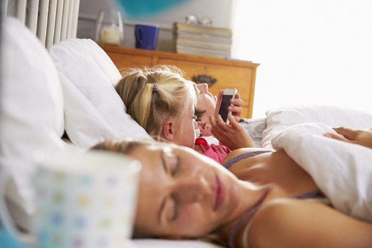 Солидни причини да не давате телефон в ръцете на деца под 12 години 40