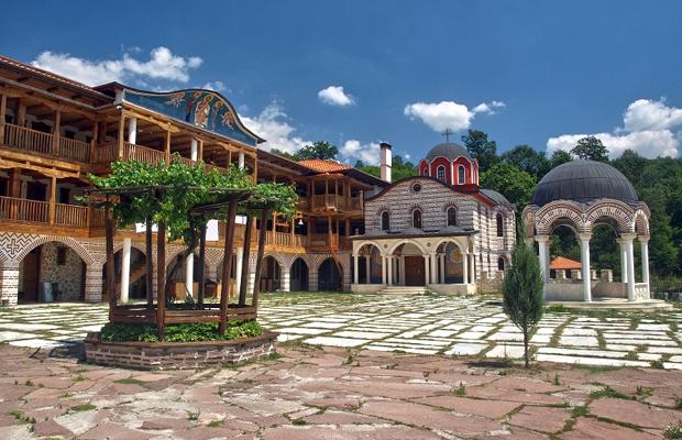 Едни от най-красивите и малко и малко известни манастири на България (СНИМКИ) 12