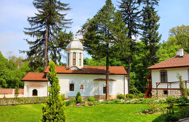 Едни от най-красивите и малко и малко известни манастири на България (СНИМКИ) 13