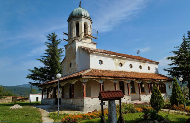 Едни от най-красивите и малко и малко известни манастири на България (СНИМКИ) 40