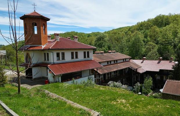 Едни от най-красивите и малко и малко известни манастири на България (СНИМКИ) 19