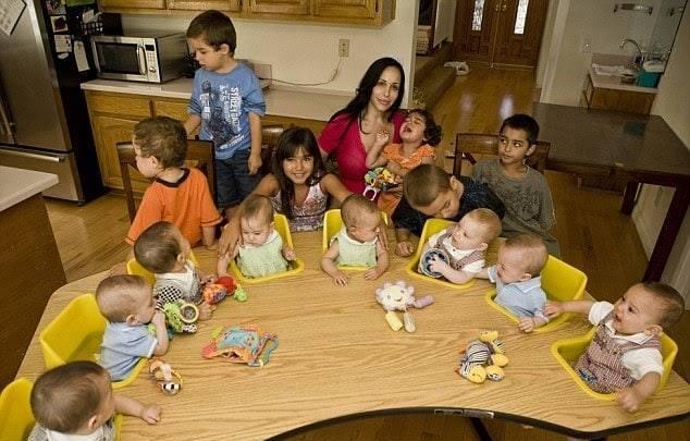 Спомняте ли си майката, която роди осемзнаци през 2009? Ето как изглеждат децата й днес (СНИМКИ) 61