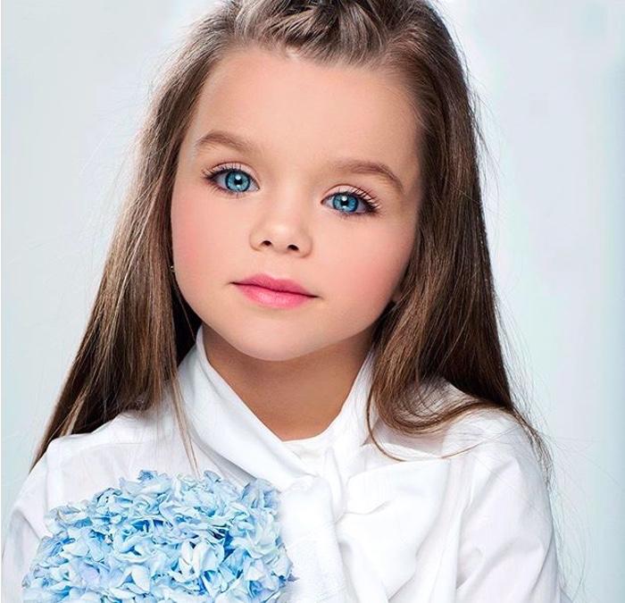 Момиченцето с едни от най-красивите очи на света 56