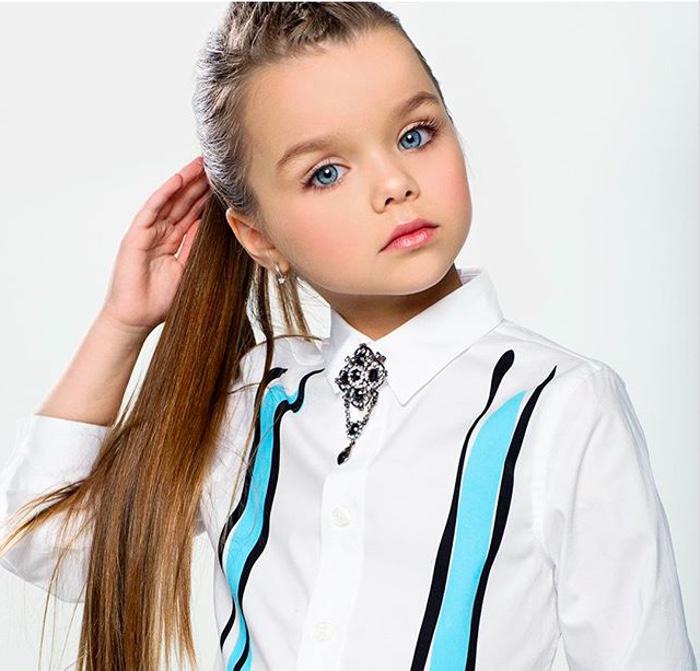 Момиченцето с едни от най-красивите очи на света 57