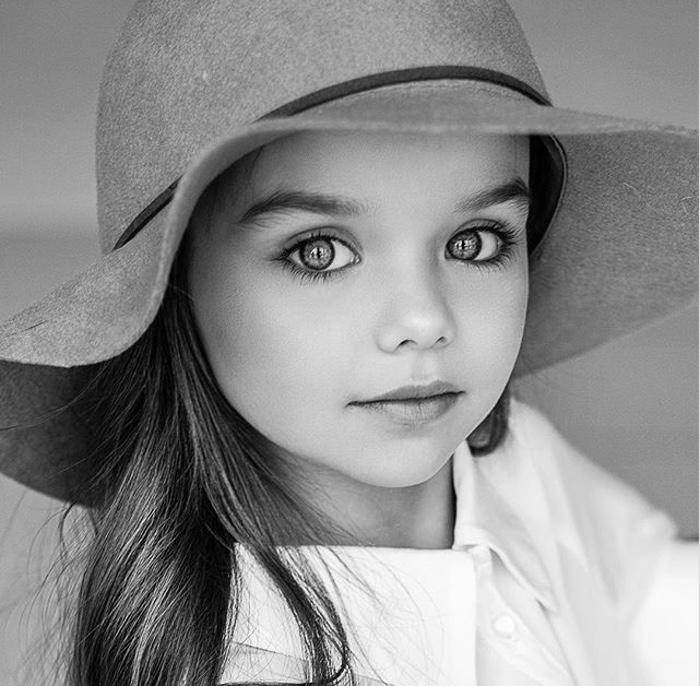 Момиченцето с едни от най-красивите очи на света 59