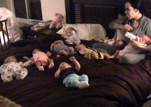 Спомняте ли си майката, която роди осемзнаци през 2009? Ето как изглеждат децата й днес (СНИМКИ) 64