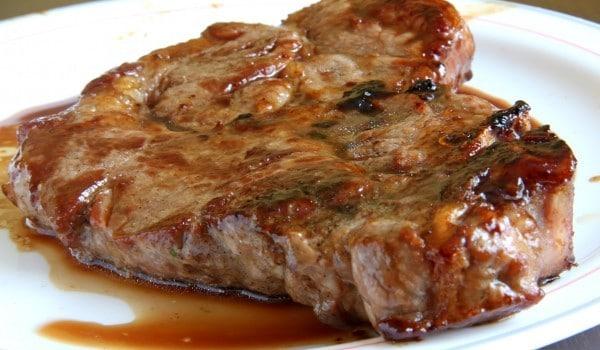 Сгответе най-крехкия свински бут по много специална рецепта - Топи се в устата 33